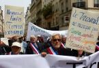 Francia: il Parlamento approva un Piano di Lavoro Garantito