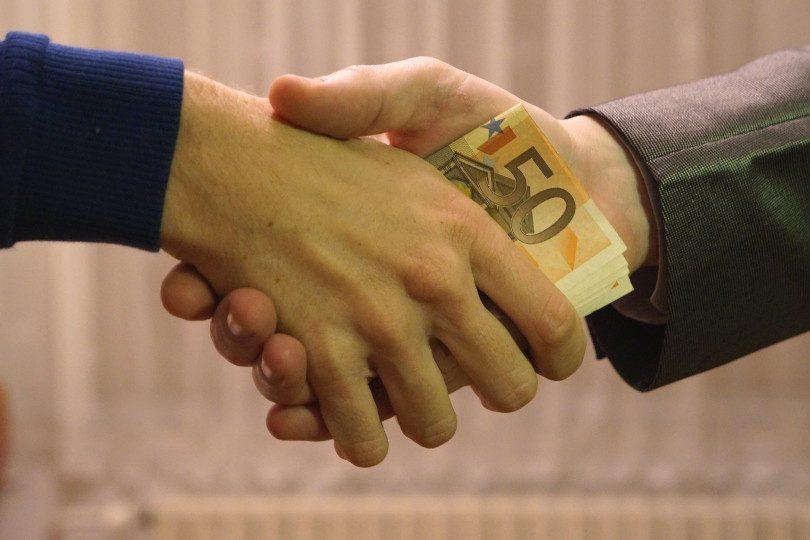 Corruzione, debito pubblico e costi della politica non c'entrano. L'austerità sì