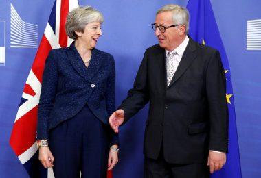 Bocciatura del Piano May: breve lezione di democrazia